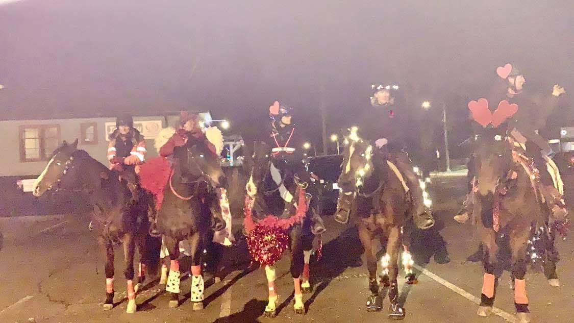 Comox Valley cowgirls raise money for seniors